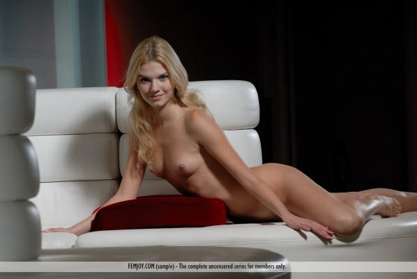 pictures of Evita from femjoy
