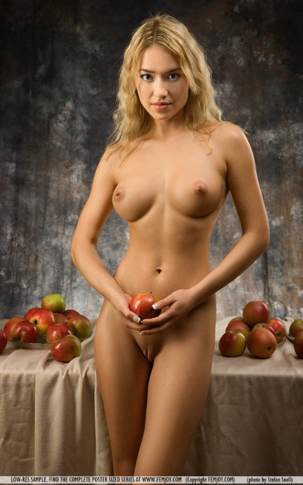 pictures of lia from femjoy