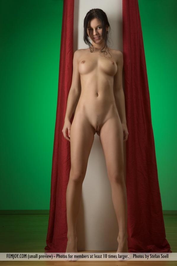 Mona femjoy nude model